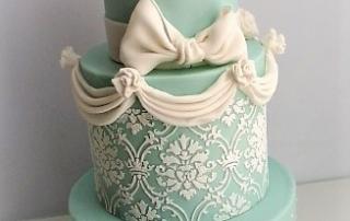 wedding cake turquoise drapé