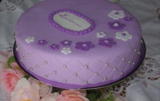 Gâteau fille mauve à fleur